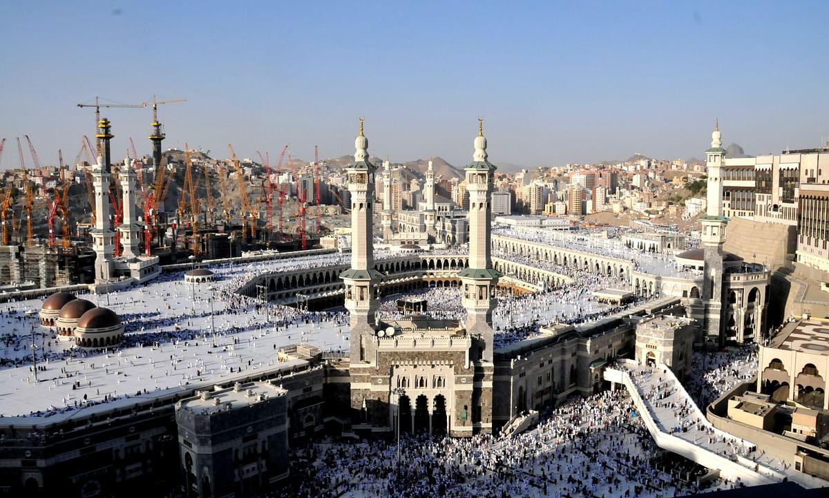 मक्का में हज यात्रियों का पहला जत्था पहुंचा