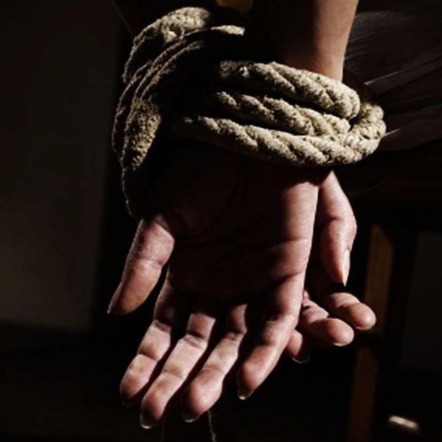 उत्तर प्रदेश में ट्रांसजेंडर के खिलाफ शादी कर लड़की के अपहरण का मामला दर्ज