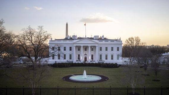 व्हाइट हाउस का कर्मचारी कोविड पॉजिटिव पाया गया
