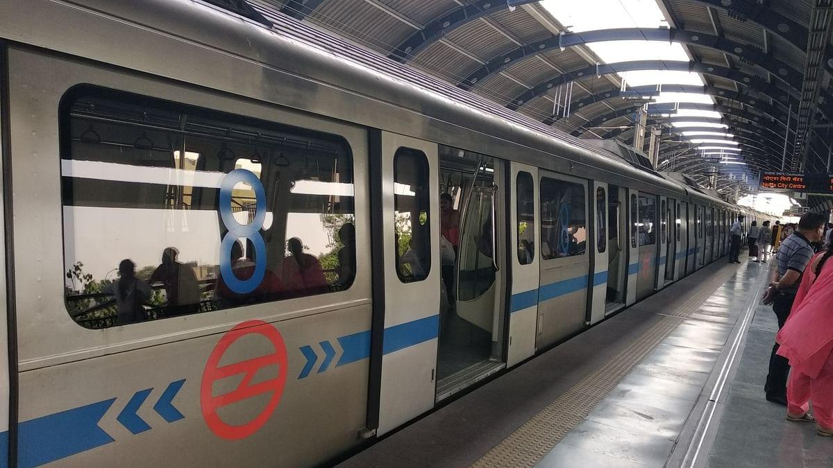 दिल्ली: आम नागरिकों को राहत, 100% क्षमता के साथ चलेगी मेट्रो-DTC बसें, स्पा सेंटर खोलने की भी इजाजत