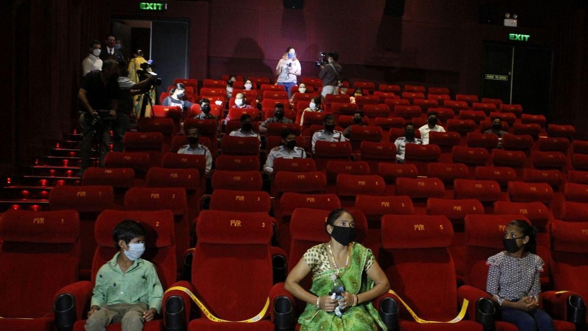 प्रतिबंधों के बीच उत्तर प्रदेश सिनेमा हॉल महासंघ ने फिर से सिनेमा हॉल खोलने से किया इनकार