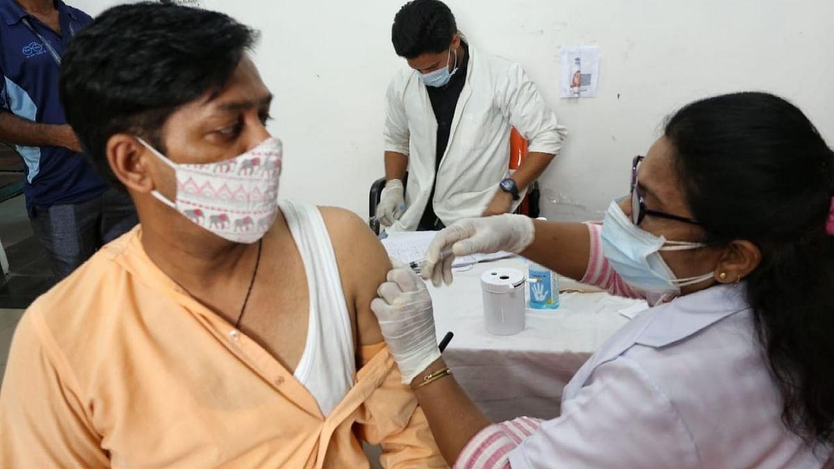 दिल्ली: वैक्सीनेशन की प्रक्रिया पूरी होने तक स्कूल खोलने का विचार नहीं