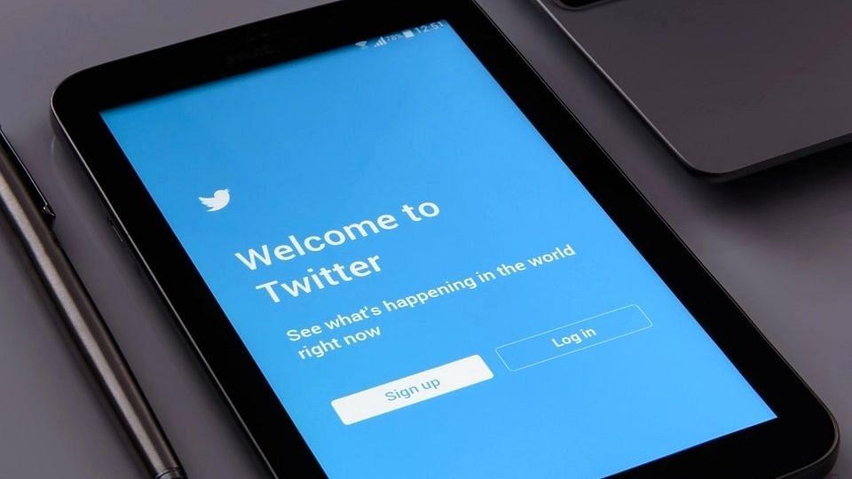 एप्पल सपोर्ट के साथ साइन इन को लागू करने पर काम कर रहा ट्विटर : रिपोर्ट