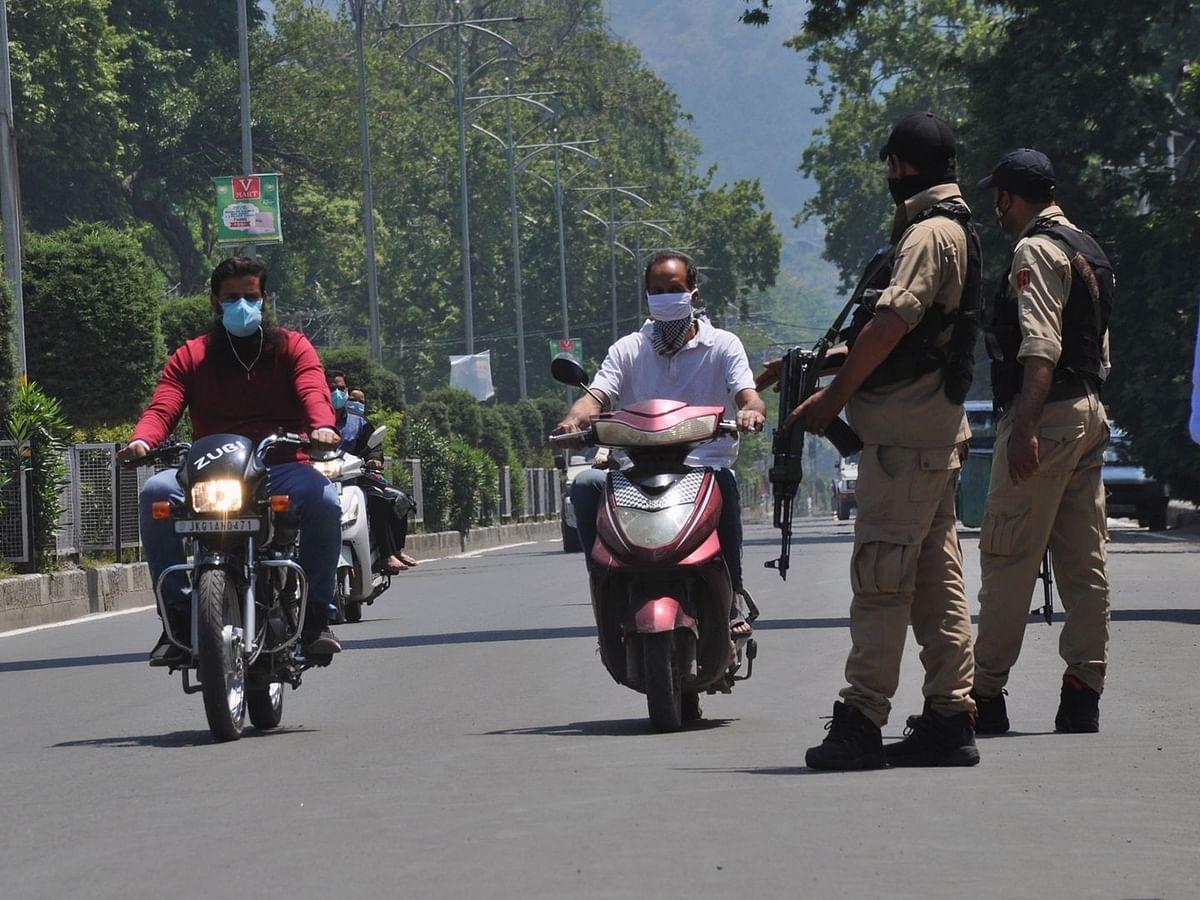 जम्मू-कश्मीर में स्वतंत्रता दिवस को देखते हुए किए गए सुरक्षा के कड़े इंतजाम
