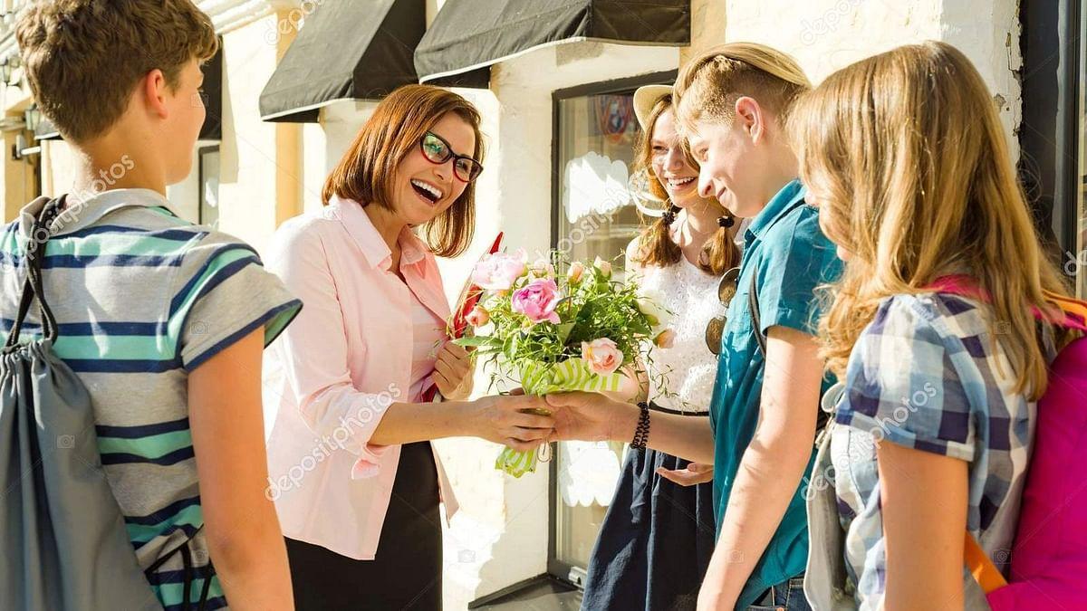 Teachers' Day: जाने कैसे करते हैं बच्चे 'टीचर्स डे' सेलिब्रेट और आखिर 5 सितम्बर को ही क्यों मनाया जाता हैं