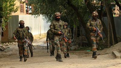 जम्मू-कश्मीर के राजौरी में आतंकवादियों के साथ मुठभेड़ में सेना का अधिकारी शहीद