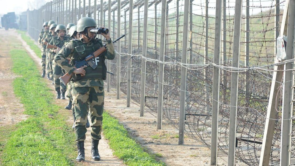 जम्मू-कश्मीर के राजौरी में मृत मिला BSF का जवान