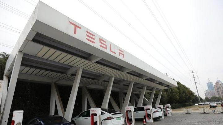 Tesla के Model-S में नए सॉफ्टवेयर किए जाएंगे अपडेट: रिपोर्ट