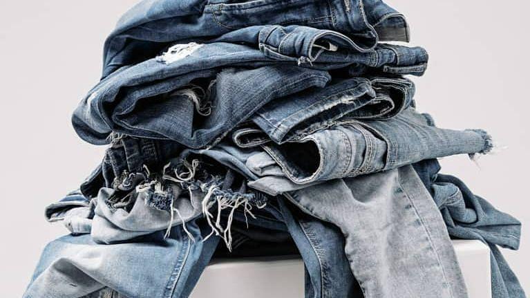 Fashion Tips: त्यौहार पर लड़को को दिखना हैं हैंडसम तो स्टाइल करें ये ट्रेडिशनल ड्रेसेस