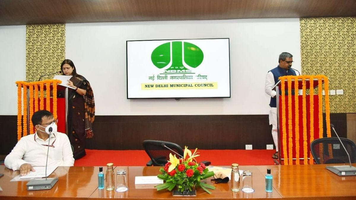 नई दिल्ली नगरपालिका परिषद के उपाध्यक्ष सतीश उपाध्याय समेत तीन अन्य सदस्यों ने ली शपथ