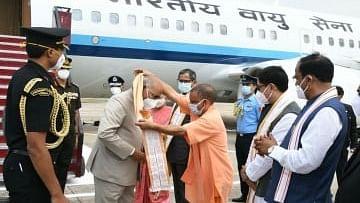 राष्ट्रपति पहुंचे प्रयागराज, कानून मंत्री, मुख्यमंत्री और उपमुख्यमंत्री ने किया स्वागत