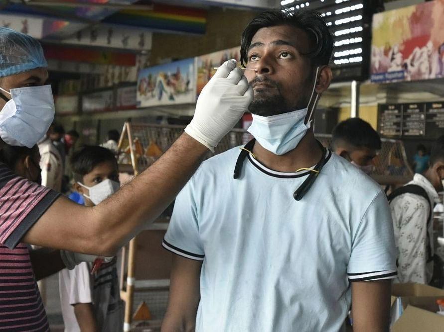 Covid-19 updates: भारत में 24 घंटे में कोरोनावायरस के 35,662 नए मामले, 281 की मौत