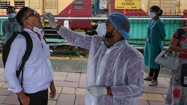 Covid-19 updates: भारत में 24 घंटे में कोरोनावायरस के 25,404 नए मामले,  339 की मौत