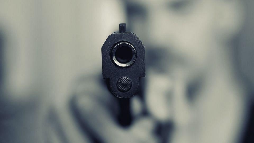 लखनऊ की व्यस्त सड़क पर अपराधी की गोली मारकर हत्या, हमलावर को जनता ने पकड़ा