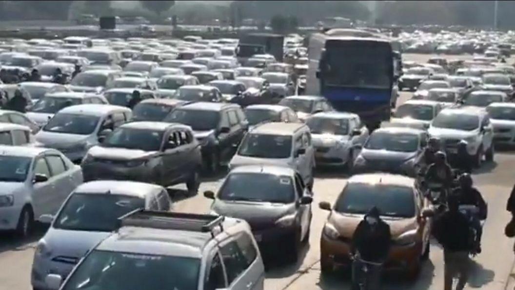 दिल्ली सरकार ने परिवहन दस्तावेजों की वैधता 30 नवंबर तक बढ़ाई