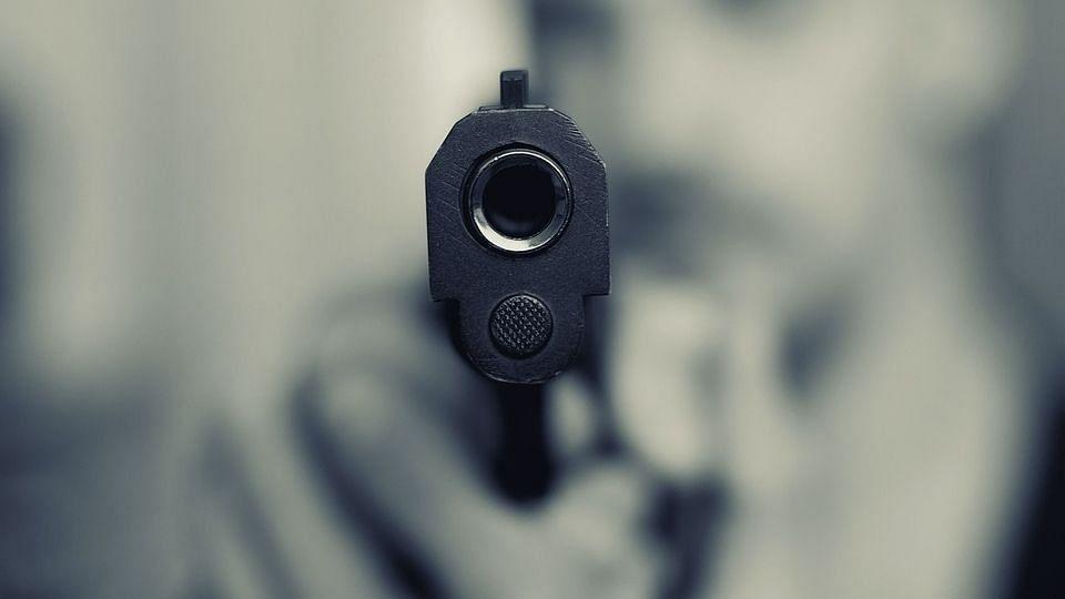 बिहार: एकतरफा प्यार में सनकी युवक ने खुद को मारी गोली, प्रेमिका के घर के बाहर हुई मौत