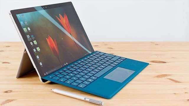 तमिलनाडु सरकार छात्रों को 11.72 लाख मुफ्त लैपटॉप वितरित करेगी