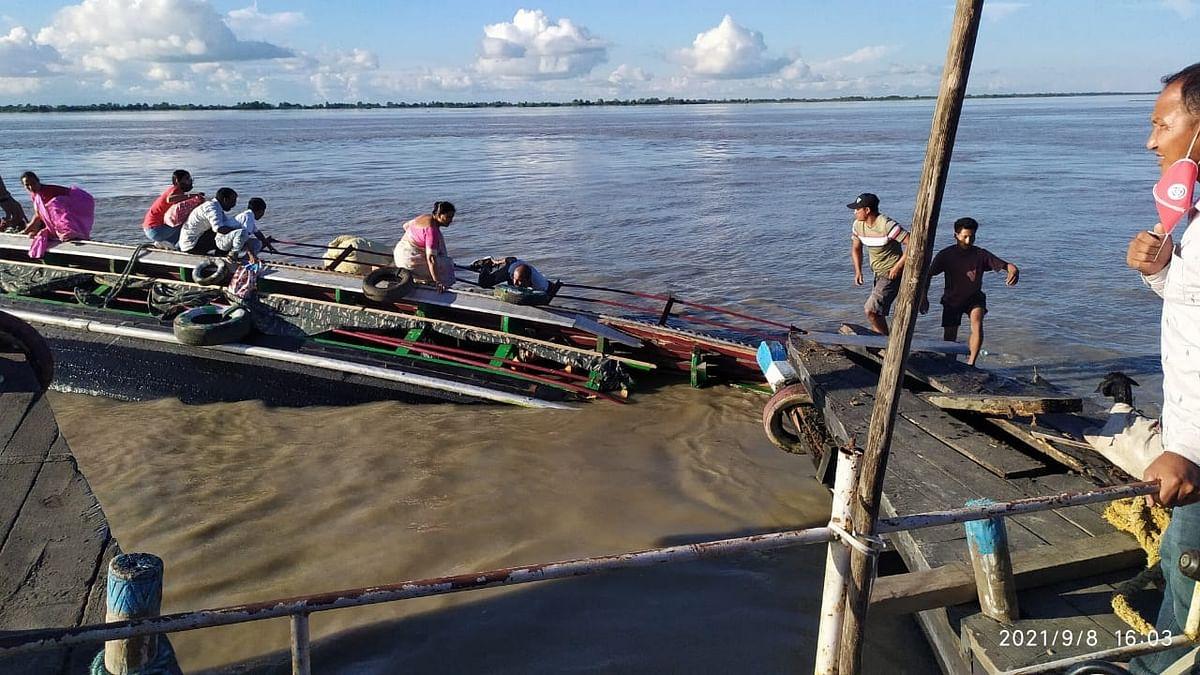 असम: ब्रह्मपुत्र नदी में नाव पलटने से कम से कम 35 लापता, 1 की मौत