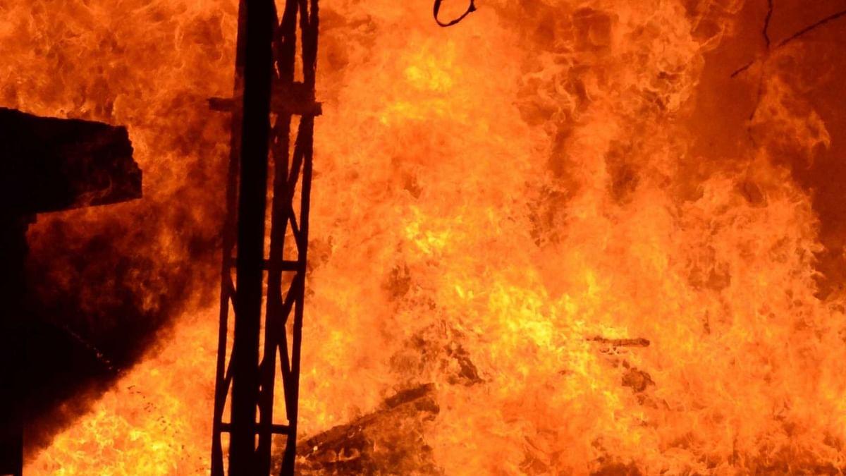 उत्तर प्रदेश: मनोकामना पूरी नहीं हुई तो व्यक्ति ने धार्मिक स्थल में लगाई आग