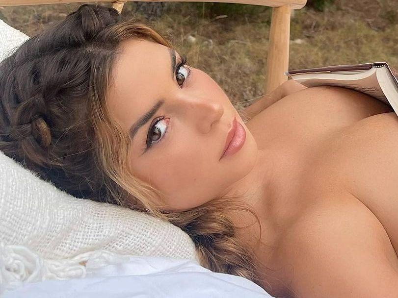 Demi Rose: हो जाएंगे फिदा जब देखेंगे लड़कों की धड़कनों को बढ़ा देने वाली इस इंटरनेशनल मॉडल की तस्वीरें
