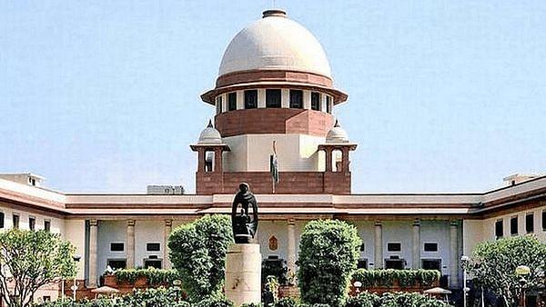 Supreme Court: वेब पोर्टलों पर फेक न्यूज पर कंट्रोल नहीं, कहा- इससे देश की बदनामी होगी