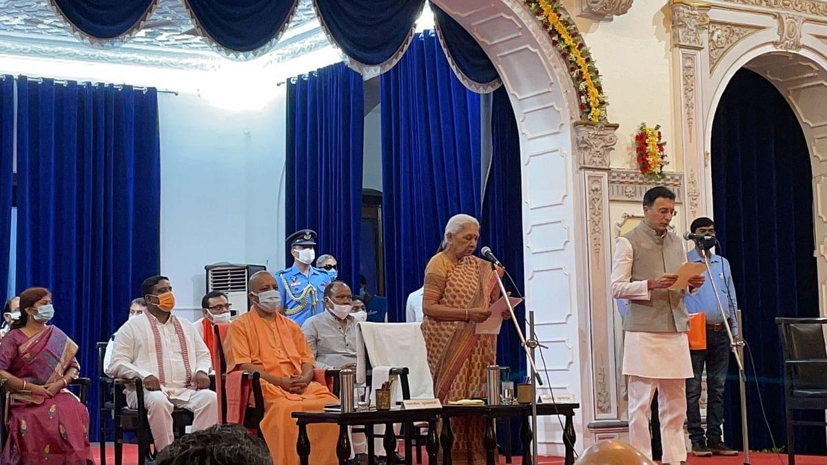 योगी ने चुनाव से पहले जितिन प्रसाद समेत 7 नए मंत्रियों को कैबिनेट में दी जगह
