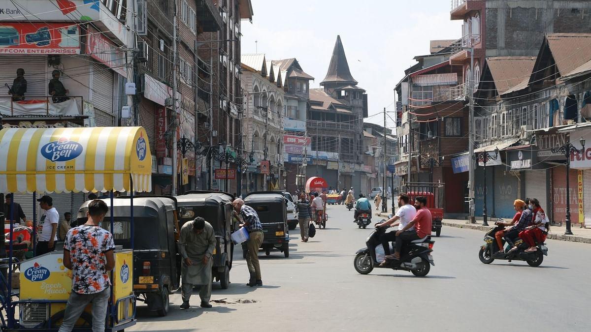 कश्मीर में आज शाम से मोबाइल इंटरनेट सेवा होगी बहाल