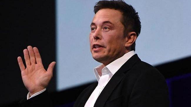 Tesla 2023 में इलेक्ट्रिक कार को कर सकता है पेश