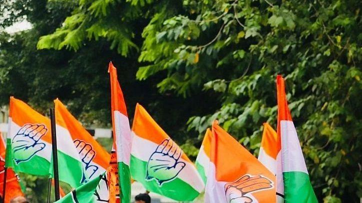 यूपी कांग्रेस के मस्जिदों के बाहर 'घोषणापत्र' बांटने पर भाजपा ने की खिंचाई