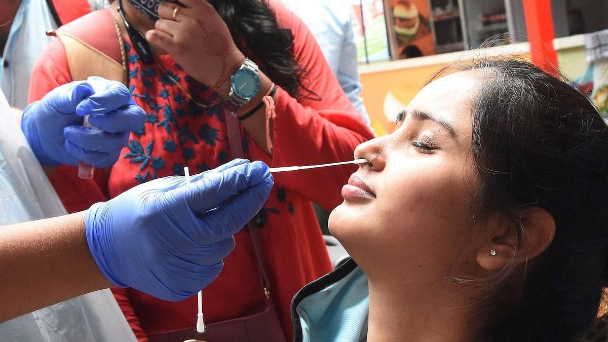 Covid-19 updates: भारत में कोरोना वायरस के 27,254 नए मामले, 219 मौतें