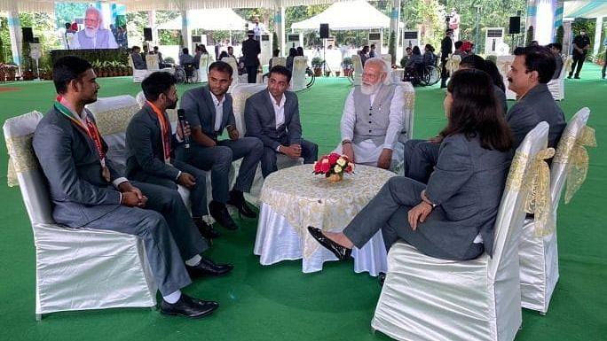 प्रधानमंत्री मोदी ने भारतीय पैरा एथलीटों से की मुलाकात