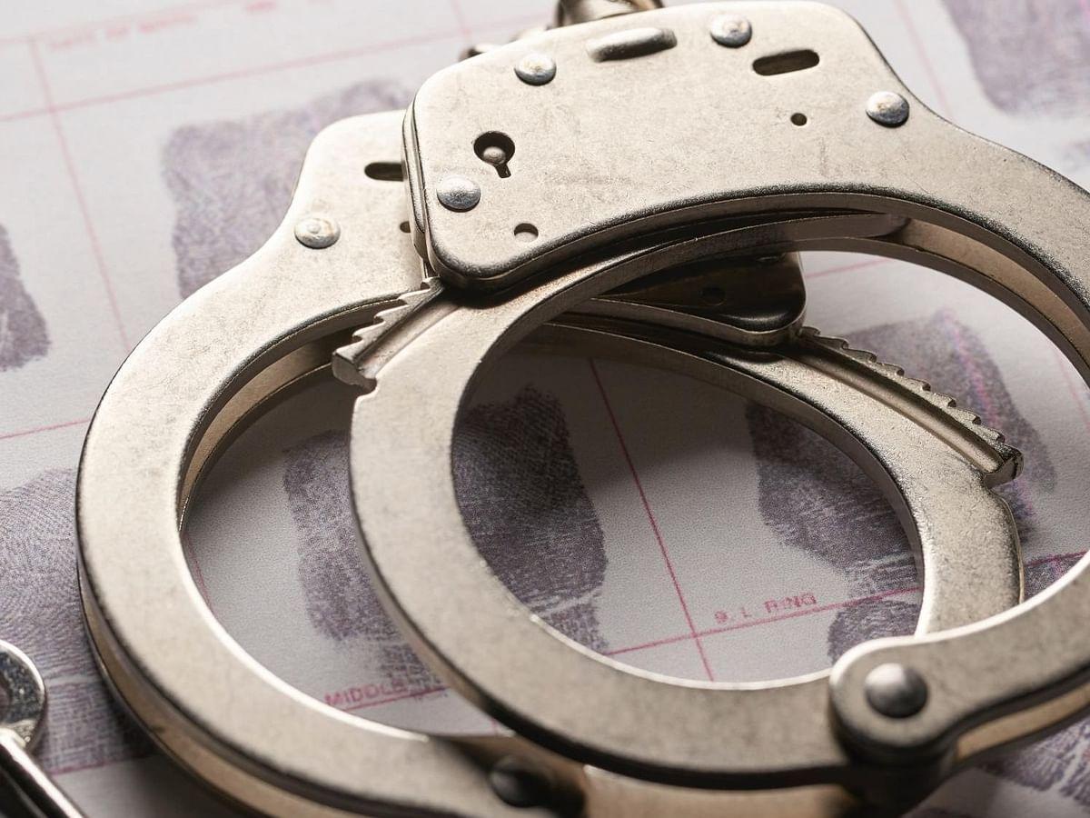 पैसे निकालने के लिए फिंगरप्रिंट की क्लोनिंग करने वाले 3 लोगों को किया गिरफ्तार