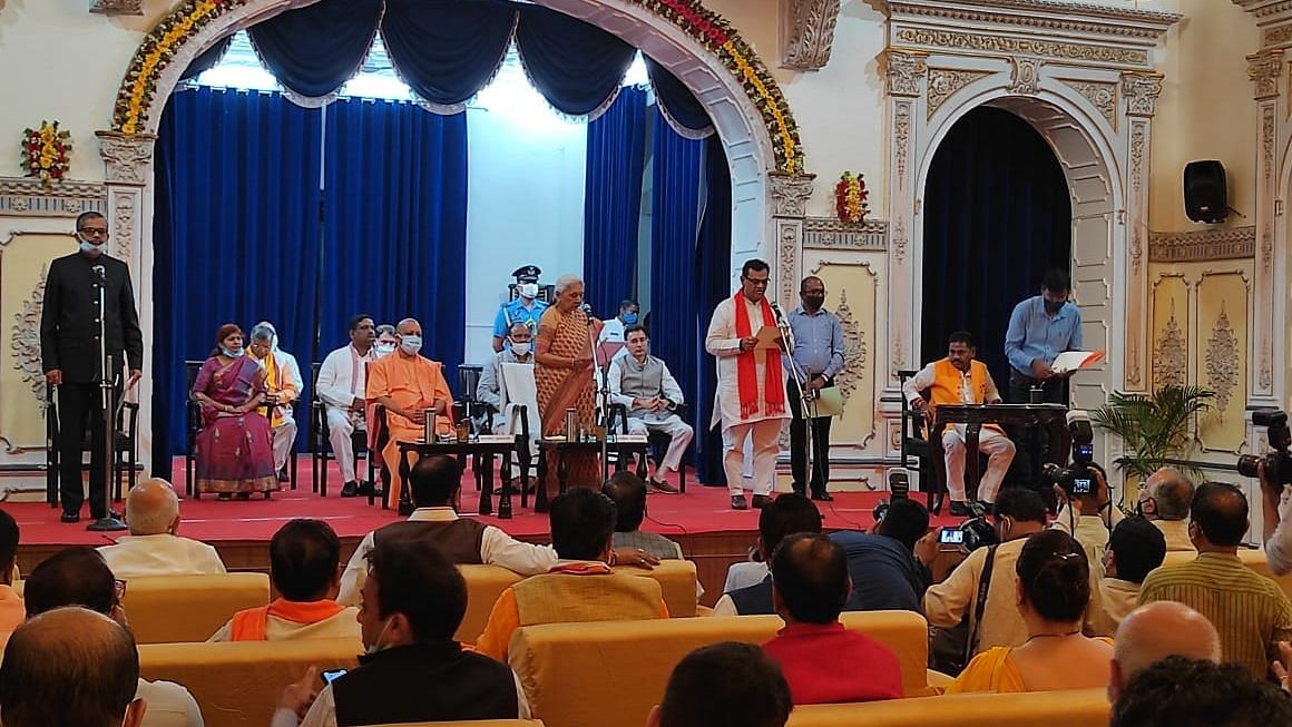 उत्तर प्रदेश: योगी के कैबिनेट विस्तार में क्षेत्रीय और जातीय संतुलन साधने के प्रयास