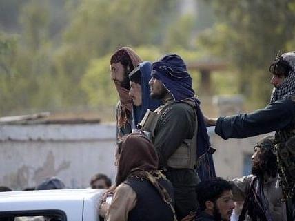 तालिबान ने हेयरड्रेसर पर दाढ़ी बनाने, दाढ़ी काटने पर प्रतिबंध लगाया