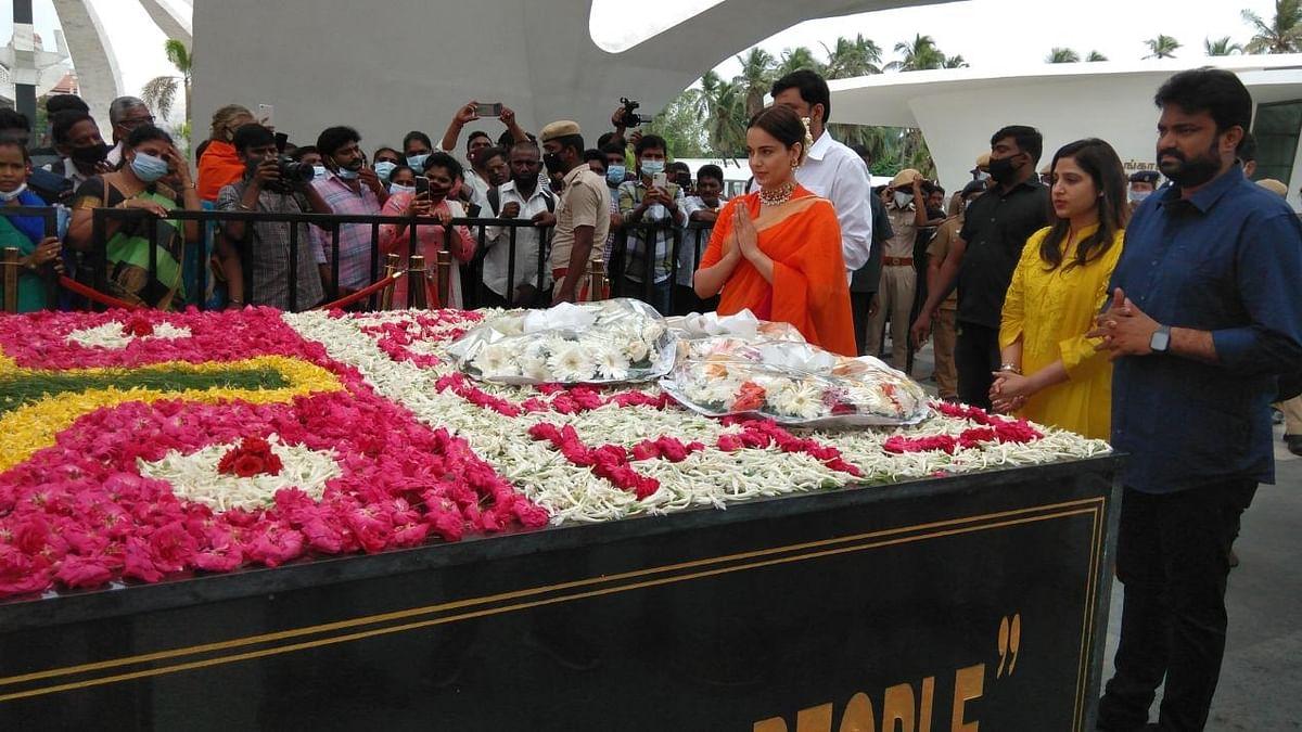 'थलाइवी' की रिलीज से पहले अभिनेत्री कंगना रनौत पहुंचीं जयललिता के स्मारक
