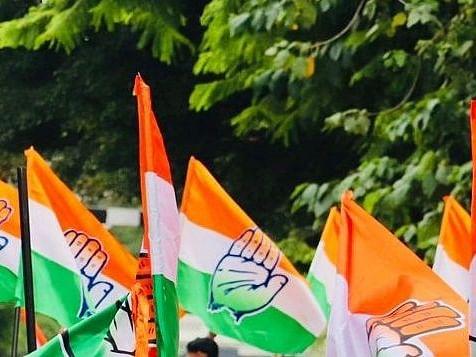 कांग्रेस ने यूपी में टिकट चाहने वालों से पार्टी खाते में 11 हजार रुपये जमा कराने को कहा