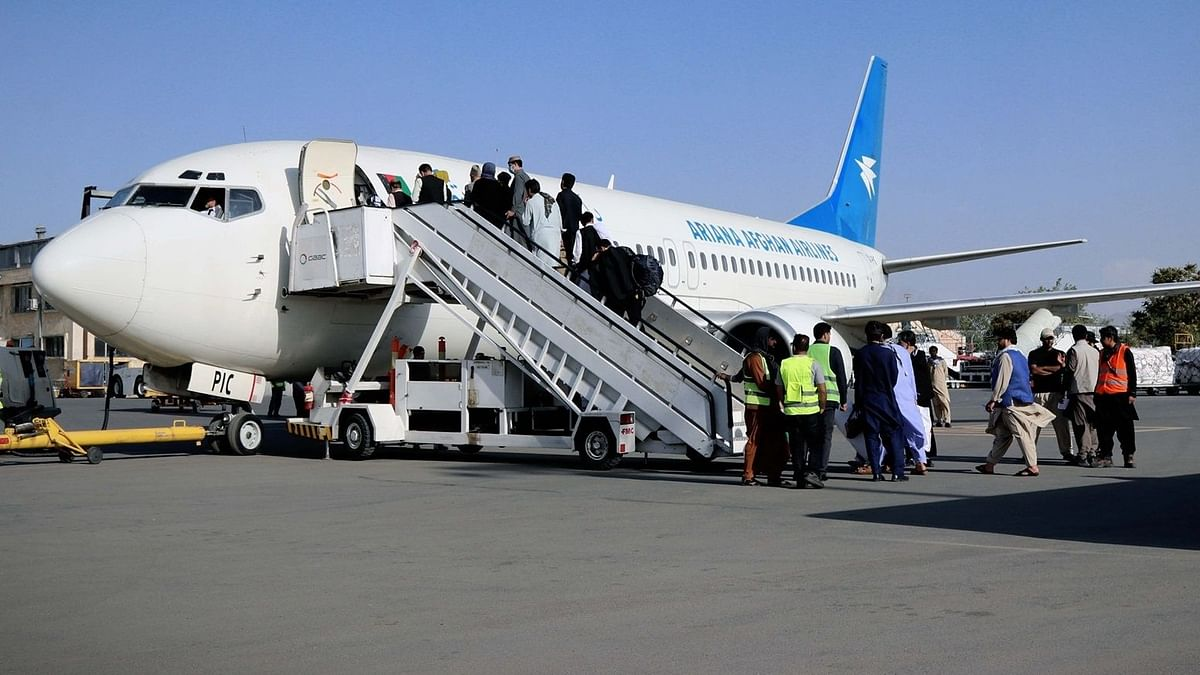 अफगानिस्तान में फिर से शुरू हुई घरेलू विमान सेवा