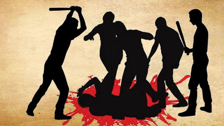 यूपी में मांस ले जाने पर भीड़ ने दो व्यक्तियों को पीटा