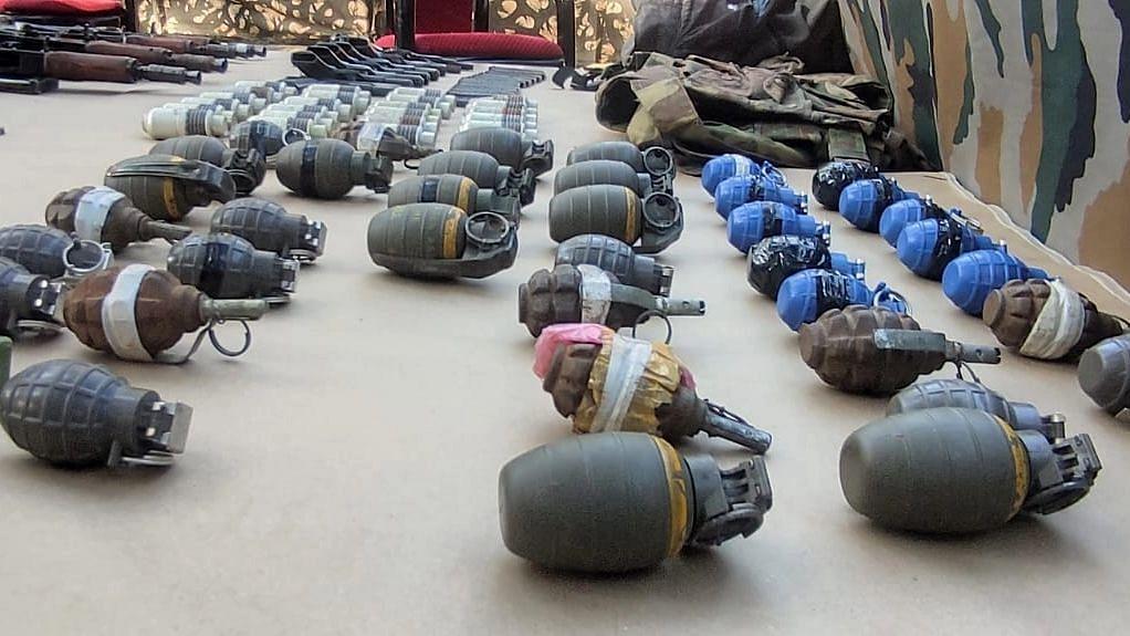 उरी ऑपरेशन में 3 आतंकी ढेर, भारी मात्रा में हथियार और गोला-बारूद बरामद