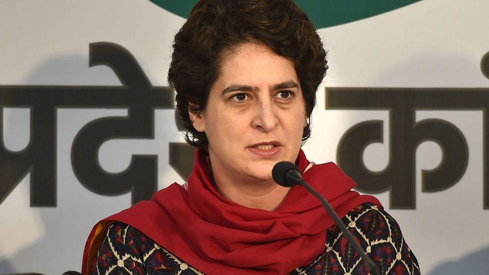 उत्तर प्रदेश में वायरल फीवर से हुई मौतों पर कांग्रेस महासचिव प्रियंका गांधी ने जताई चिंता