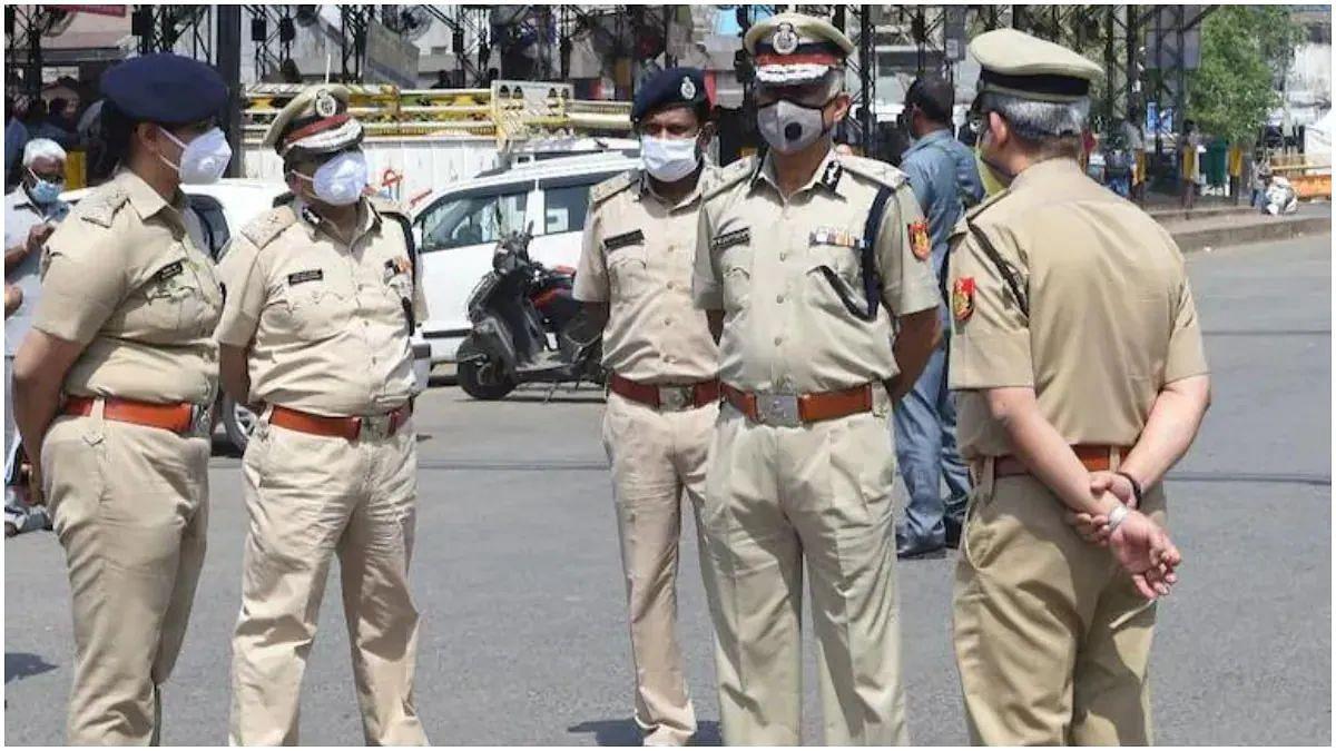 दिल्ली पुलिस ने कोविड नियमों का पालन ना करने पर रामलीला आयोजकों के खिलाफ दर्ज की FIR
