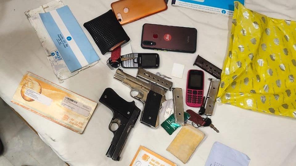 बिहार में बड़ी मात्रा में हथियार और गोली के साथ 3 तस्कर गिरफ्तार