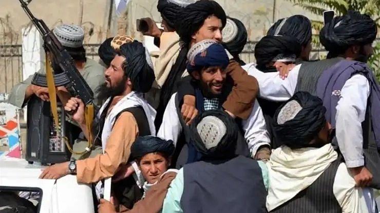 तालिबान के अधिग्रहण के बाद पहली बार अफगान मीडिया ग्रुप ने गतिविधियां शुरू की