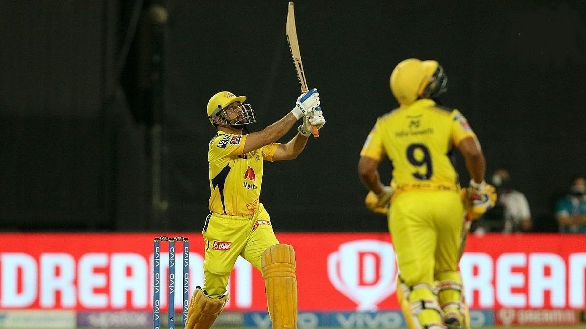 IPL 2021: चेन्नई ने हैदराबाद को छह विकेट से हराया, प्लेऑफ में पहुंचा
