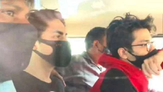 आर्यन खान के दोस्त अरबाज मर्चेंट ने की कोर्ट से CCTV फुटेज की मांग, NCB पर लगाया चीजों को प्लांट करने का आरोप.!