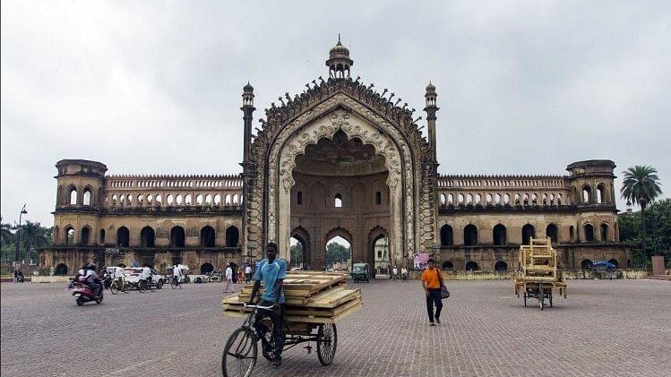 लखनऊ: आज दशहरा पर रहेगा ट्रैफिक डायवर्जन, दुर्गा प्रतिमा विसर्जन के दौरान इन रास्तों पर नहीं जा सकेंगे