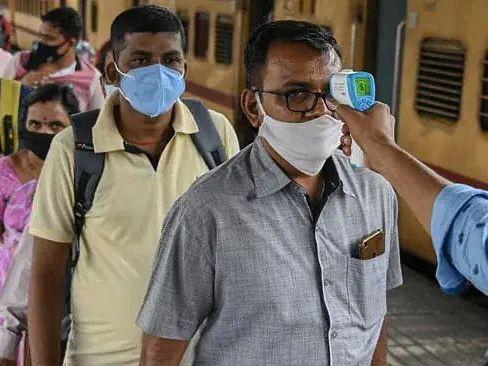 Covid-19 Updates: भारत में कोरोना के 18,132 नए मामले, 193 लोगों की मौत