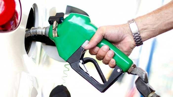 यहाँ मिलता है सिर्फ 3 रुपए में एक लीटर Petrol, जानिए क्यों है इतना सस्ता