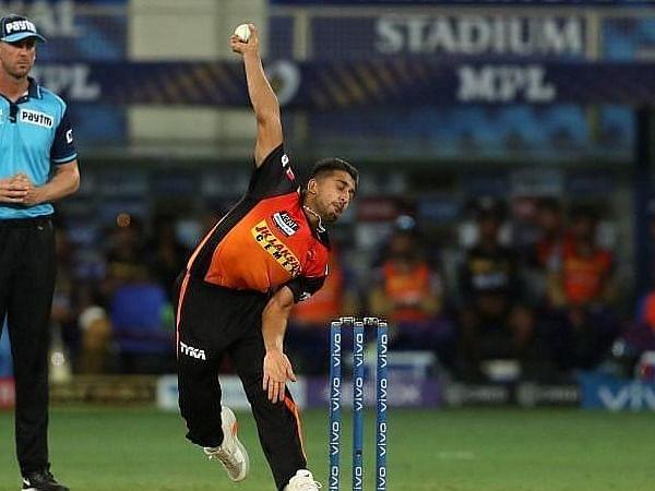 सनराइजर्स हैदराबाद के तेज गेंदबाज उमरान मलिक ने फेंकी IPL 2021 की सबसे तेज गेंद