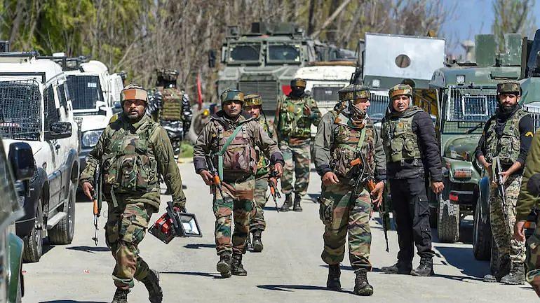 Poonch Encounter: जम्मू-कश्मीर के पुंछ में आतंकियों से मुठभेड़ में JCO समेत पांच जवान शहीद